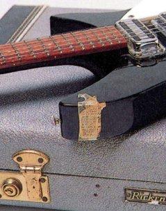 歌物件-曲目單-John Lennon吉他上的曲目小抄
